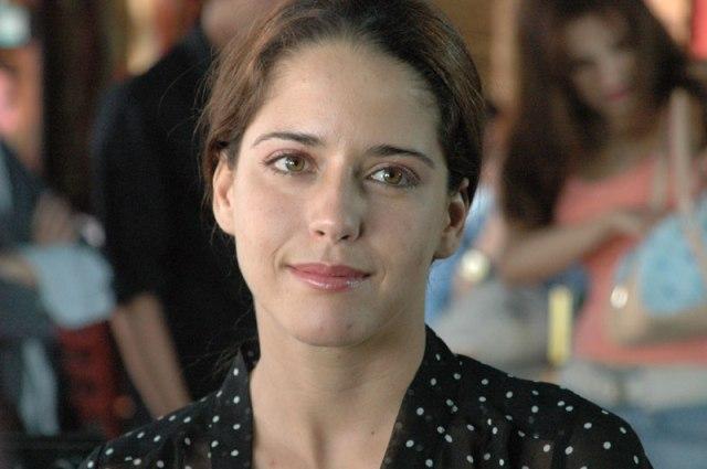 Ana Claudia Talancon parece o equivalente feminino idêntico do Bernal