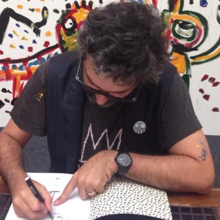 Liniers autografando pra mim. Morra de inveja. :P
