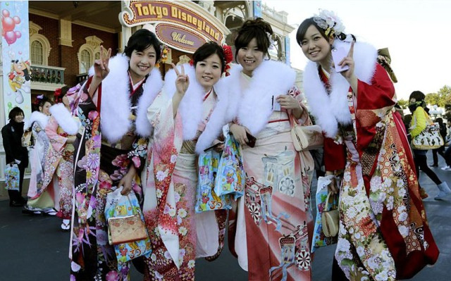 japan_girls_disney_3133601k