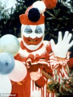 2fa0231c00000578-3370998-john-wayne-gacy-murdered-33-people-and-became-known-as-the-kille-m-35-1451165161050-jpg-jpg